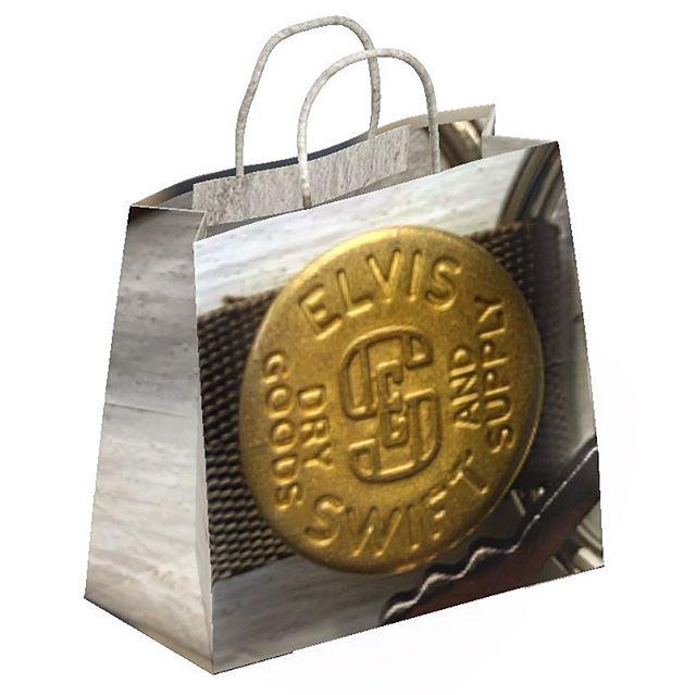 Button on a Tote #totebag #tackbutton #jeanbutton #brassbuttons #brassbutton #elvisswiftdrygoods #naplesart #naplesfl