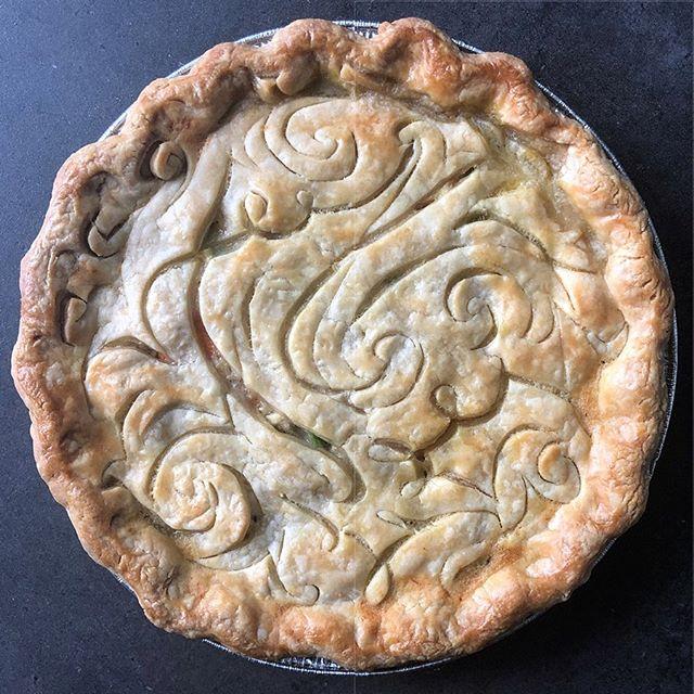 Elvis Pot Pie by Lisa Makes Pie #lisamakespie #comfortfood #elvispotpie #custompietop #illustration #pieart #allbuttercrust #foodart #naplesart #naplesfl #bethesdamd